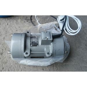 Вибратор площадочный 0,75 кВт, 220В
